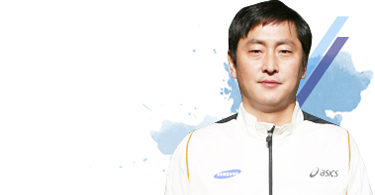 Woman's Long Distance Team Coach Yong Bok Kim picture